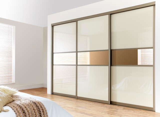 How to build your own fitted wardrobes clickhowto Build your own bedroom wardrobes