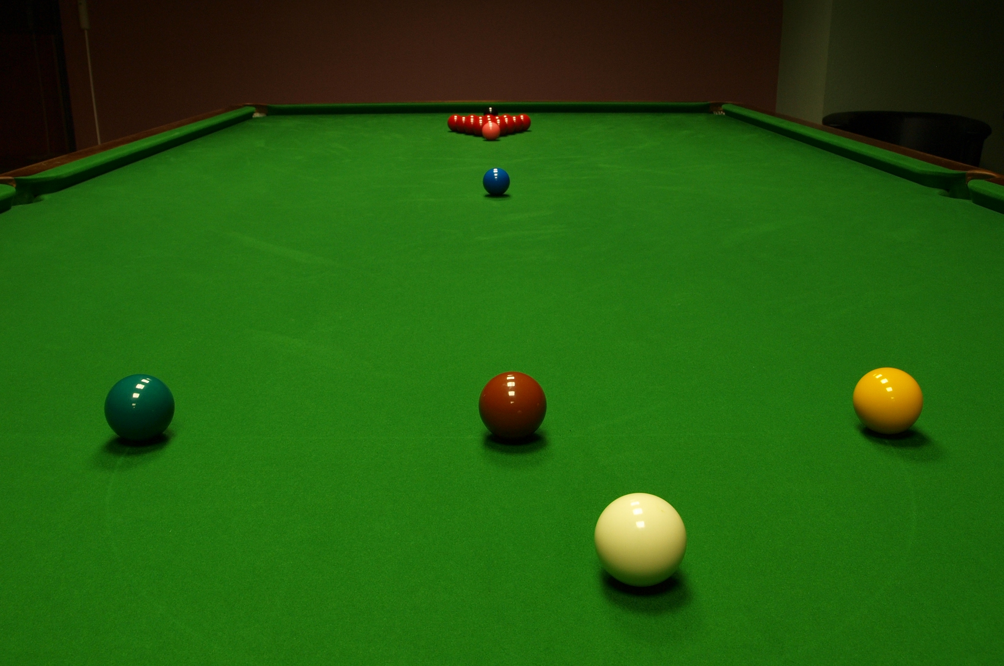How To Get Into Snooker - ClickHowTo